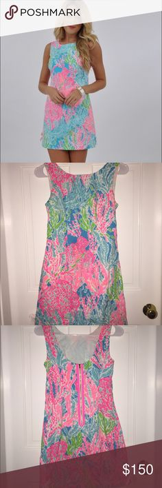 Let's get Cha Cha Delia dress lily Pulitzer size 00 but when I wore it I was an average size 2 dress. so this definitely runs big for a 00. I would recommend size 00-2 this will fit. only worn once for a graduation! perfect condition no flaws. NO trades. will go lower on Merc Lilly Pulitzer Dresses Mini
