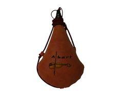 Bota de vino de piel de ternera e interior latex, personalizada con bordado