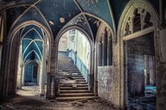 Abandoned mansion wallpapers and images - wallpapers, pictures, photos