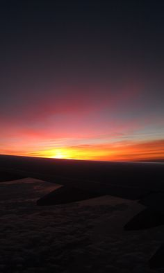 I never tire on sunrises from the air. Love flights at sunrise and sunset.