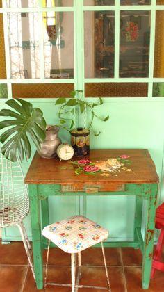 mesa vintage en verde