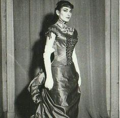 Maria Callas La Divina in La Traviata. Maria Callas, One And Only, People, Style, Fashion, Theater, Swag, Moda, Fashion Styles