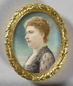Henry Charles Heath - Princess Beatrice when Princess Henry of Battenburg Queen Victoria Family, Queen Victoria Prince Albert, Princess Victoria, Princess Beatrice, Royal Princess, Victoria And Albert Children, Miniature Portraits, Miniature Paintings, Queen Victoria's Daughters