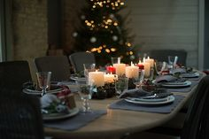 Ditch the picnic table this year and invest in an extending table. Christmas is a time for entertaining and there is nothing worse than having to squeeze one more on the end, where elbows are grazing and knees are knocking! #designtip #neptune