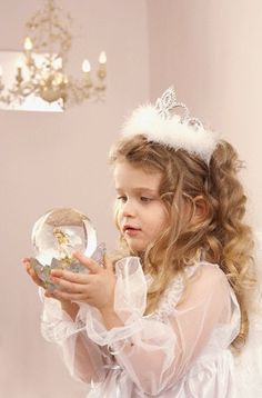 Fairytale Fantasy Photography at: http://www.pinterest.com/oddsouldesigns/fairytale-fantasy/ #princess #crown