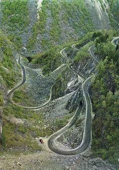 Sarma yolu, Hardangervidda dağ platosundan Hardanger fiyorduna. Oslo'dan 7 numaralı rota.
