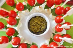 salada caprese no palito - Pesquisa Google Salada Caprese, Brunch, Vegetables, Food, Salads, Essen, Vegetable Recipes, Meals, Yemek