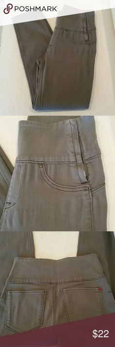 SPANX Gray wide waistband pant leggings Sz S SPANX are essentially stretchy pants that are designed with flattering seams to elongate the leg and give control in all the right places. The wide waistband helps conceal any belly pounds  and unwanted love handles! Sometimes this pair looks like it may be stretched a bit by the hips and sometimes it looks fine. Included pics to show. Priced with that in mind. Will provide any additional info you need. Sz S from a smoke free home. SPANX Pants…