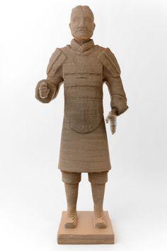 La colección 3DMaxi de hecho a la medida estatuas y bustos son reproducciones artísticas en cartón corrugado utilizando estado de las tecnologías de impresión 3D arte. Este método hace posible la reproducción de una copia tridimensional de cualquier objeto.