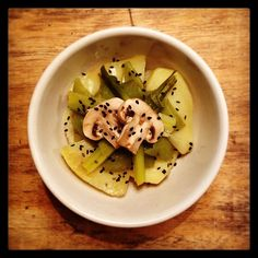 Steamed potatoes, mushrooms, leeks and fava beans pods with black sesame seeds!! Comfort food 100%VEG - Verdure al vapore con semi di sesamo nero <3 #vegan #vegano #veggie #vegetable #vegansofig #vegandelight #veganfoodporn #veganfoodshare #healthy #healthyfood #sesame #steamed #comfort #good #instafood #pics #foodie #foodpic
