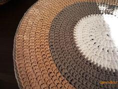 Alfombra de trapillo. 73 cm diametro