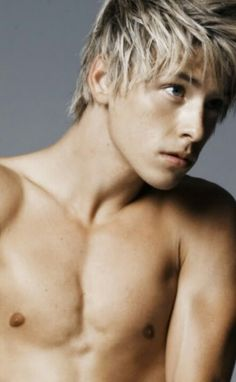 Mitch Hewer ♥