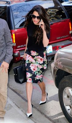 Amal Clooney's daily fashion show and Met Gala preparation Office Fashion, Work Fashion, Fashion Show, Fashion Looks, Amal Clooney, George Clooney, Amal Alamuddin Style, Silk Charmeuse, Mode Inspiration