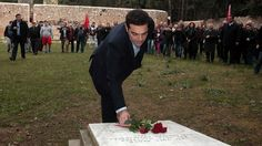 Χωρίς τον δήμαρχο Καισαριανής η εκδήλωση στο σκοπευτήριο παρουσία Αλ. Τσίπρα (video) - http://www.ert.gr/choris-ton-dimarcho-kesarianis-i-ekdilosi-sto-skopeftirio-parousia-al-tsipra-video/