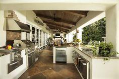 Great outdoor kitchen!