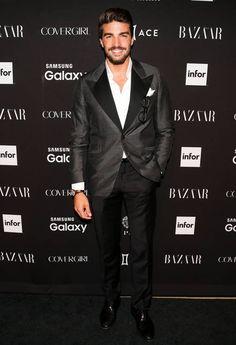 Hän oli Milanon muotiviikon hottis - onko hän jo liian komea?
