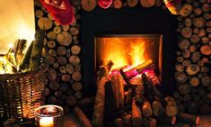 Home Decor Ideas. Perfect inspiring ideas with regards to home improvment. home improvement builder. Fireplace Insert Installation, Feng Shui, Wood Burning Fireplace Inserts, Yule Log, Primitive Homes, Country Primitive, Bunting, Samos, Christmas Traditions