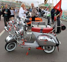 Retro Scooter, Mod Girl, Vespa Scooters, Sidecar, Amazing Cars, Weekender, Chopper, Brighton, Baby Strollers