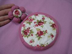 Circle Zip Pouch. Step by step photo DIY tutorial.