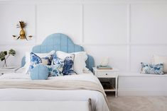 We recap Three Birds Renovations' House This week's episode: the ensuite and master suite. Hamptons Style Homes, The Hamptons, Hamptons Kitchen, Hamptons Decor, Hamptons Bedroom, Engineered Timber Flooring, Three Birds Renovations, Timber Walls, Wall Molding