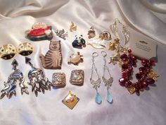 Animal Insect Mixed Jewelry Lot of 20 Eddie Nemo Crown Trifari Avon Warner Bros #Various