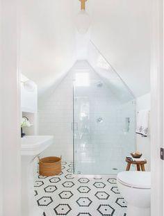 Get ready to apply one of modern attic bathroom interior design ideas here. You will have a dream bathroom comes true! Attic Renovation, Attic Remodel, All White Bathroom, White Bathrooms, Small Bathrooms, Silver Bathroom, Modern Bathrooms, Loft Bathroom, Master Bathroom