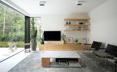 Design vloeren voor elk interieuR Residential Flooring by Bolidt biedt met zijn gietvloeren een uniek antwoord op de vraag van architecten en bouwheren naar originaliteit, puurheid en duurzaamheid. Met oog voor detail en een constant streven naar perfectie. Bolidtop 525 #polyurethaan #gietvloer #wit