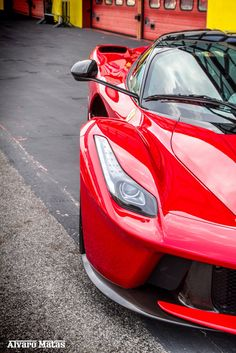 LaFerrari SPIN OUT, Spitting Flames & Huge Sounds! Click to view this incredible video!