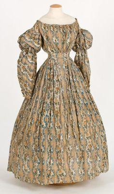 Day dress ca. 1830's From the Centre de Documentació i Museu Tèxtil de Terrassa