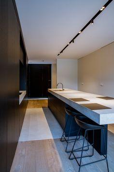 Luxury Homes Interior Design & Inspiration Luxury Kitchen Design, Best Kitchen Designs, Interior Design Living Room, Luxury Homes Interior, Contemporary Interior Design, Industrial House, Cuisines Design, Kitchen Layout, Interior Lighting
