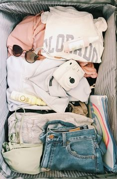 Vacation Packing, Packing Tips For Travel, Suitcase Packing, Packing Ideas, Summer Aesthetic, Travel Aesthetic, Cute Casual Outfits, Summer Outfits, Travel Bag Essentials