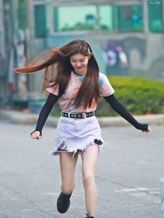 Kpop Girl Groups, Korean Girl Groups, Kpop Girls, Kpop Fashion, Womens Fashion, K Pop, Yuehua Entertainment, Korean Street Fashion, Kpop Outfits
