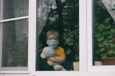 10 vecí, ktoré by ste mali zvážiť pri dobrovoľnej karanténe Sad Child, Poor Children, Servus Tv, Influenza Virus, Cancer, Feeling Depressed, Comme Des Garcons, Medical Care, Corona