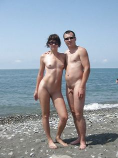 beautiful nude midget girls