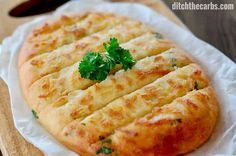 The MOST POPULAR recipe for cheesy keto garlic bread - using mozzarella dough. Only net carbs per slice. This is the Holy Grail of keto garlic bread. Ketogenic Recipes, Low Carb Recipes, Cooking Recipes, Healthy Recipes, Bread Recipes, Simple Recipes, Low Carb Bread, Low Carb Diet, Keto Snacks
