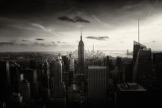 Alex Teuscher - New York New York - Galerie Sakura New York Cityscape, New York Skyline, New York Images, Photographie New York, New York Black And White, Black White, Visit New York City, New York Photography, Amazing Photography
