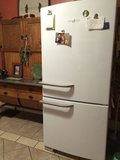 GE Artistry Refrigerator - Why don't all fridges have the freezer on the bottom?