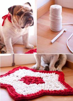 SusiMiu   Tutorial de Alfombra de Ganchillo XXL Navideña con forma de Estrella Crochet Cross, Crochet Home, Love Crochet, Knit Crochet, Yarn Projects, Crochet Projects, Crochet Designs, Crochet Patterns, Cotton Cord