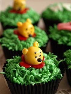 cute Pooh cupcakes