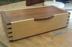 Woodworking Course David Barron Furniture: Dovetailing Course at West Dean, a Good Group! Small Wooden Boxes, Wooden Jewelry Boxes, Wood Boxes, Woodworking Courses, Learn Woodworking, Woodworking Projects, Wood Box Design, Design Design, Dovetail Box
