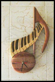 Music clock, how cute Piano Art, Piano Music, Art Music, Music Clock, Music Furniture, Home Music, Music Decor, Wooden Clock, Music Gifts