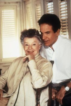annette benign warren beatty age difference in relationship