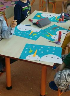 aeatdrinkandbecrafty handwerk karton walkure Winter Bird and Snowman Paper Craft, bird craft Paper Snowman Winter Art Projects, Winter Kids, Christmas Crafts For Kids, Xmas Crafts, Christmas Art, Kindergarten Art, Preschool Crafts, Daycare Crafts, Bird Crafts