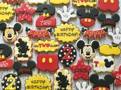 Oh TWO-dles! Mickey Mouse themed cookies for our twins birthday! Anniversaire Theme Minnie Mouse, Mickey Mouse Clubhouse Birthday Party, Mickey Mouse Parties, Mickey Birthday, 2nd Birthday Party For Boys, Birthday Ideas, Minnie Mouse Cookies, Birthday Cookies, Baby Shower