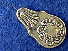 925 Sterling Repousse Needle Threader.
