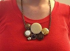 http://www.guidepatterns.com/how-to-make-a-button-necklace-tutorials.php