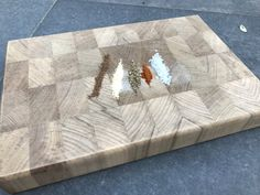 Teak cutting board end grain