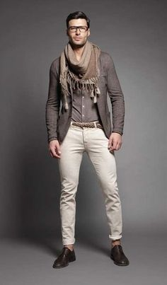 http://lookastic.com/men #Blazer #Gris