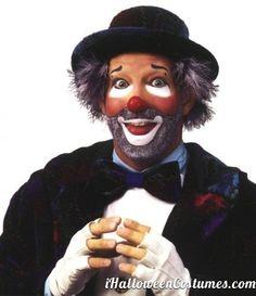 Clown ideas for makeup Clown Face Makeup, Clown Face Paint, Clown Halloween Costumes, Halloween Makeup, Halloween 2013, Halloween Ideas, Auguste Clown, Clown Pics, Famous Clowns