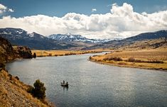 Fall Fishing in Montana at the Yellowstone River.